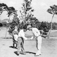 準決勝で林万福(右)を破った戸田藤一郎(ゴルフドム1940年10月号=日本ゴルフ協会所蔵=より)