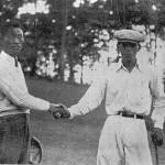 優勝したモンテス(右)と2位の森岡(ゴルフドム1932年11月号=日本ゴルフ協会所蔵=より)